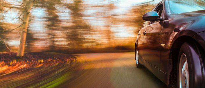 Überschreitung der Geschwindigkeit: Bußgelder und Fahrverbote