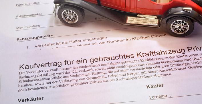 Ein schriftlicher Kaufvertrag bietet mehr Rechtssischerheit. (Foto: FM2/fotolia)