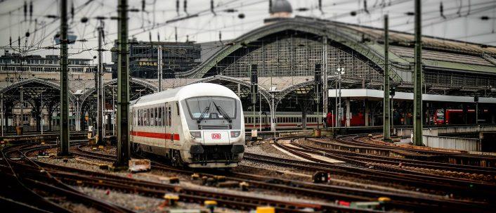 Bahn Verspätung – So kommen Sie zu Ihrer Erstattung
