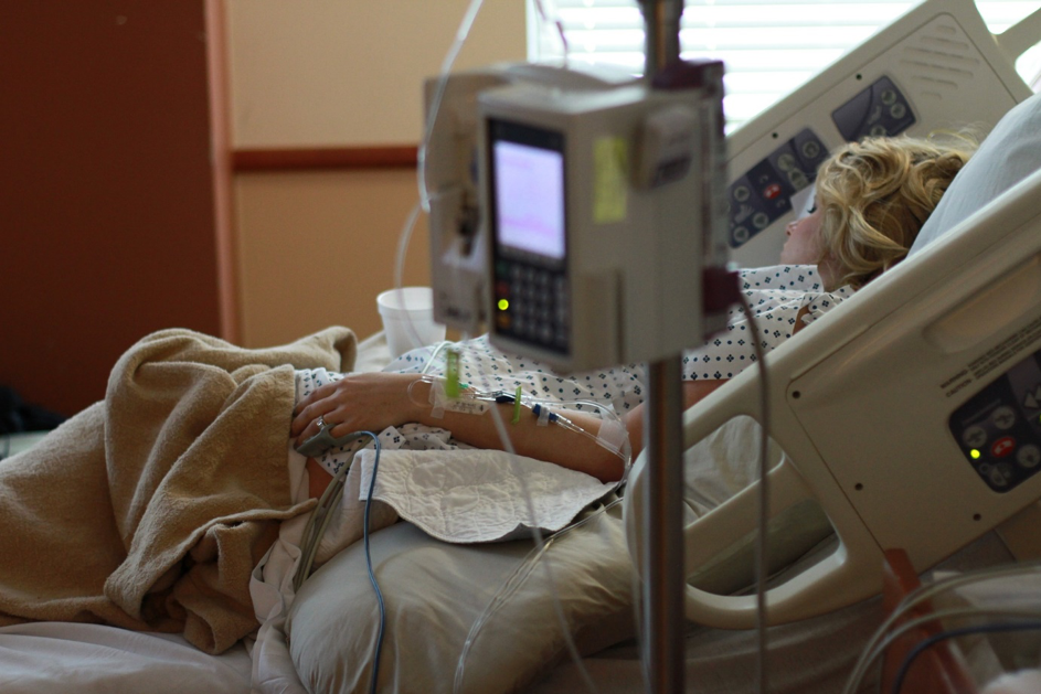 Dekubitus durch fehlerhafte Pflegeleistungen in Pflegeheimen und Krankenhäusern sowie der ambulanten Pflege