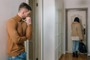 Wer die ehemals gemeinsame Wohnung verlassen muss, ist selbst dann nicht immer klar, wenn sie nur einem der Ex-Partner gehört.