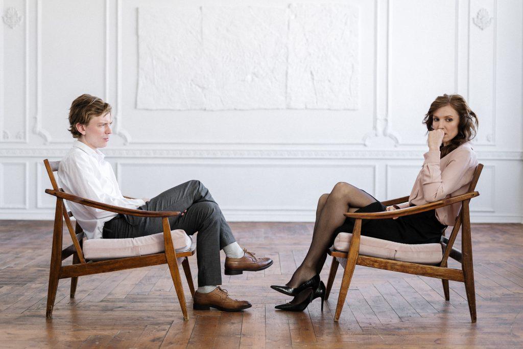 Um Kosten in Ihrer Scheidung zu sparen, versuchen Sie möglichst viel ausßergerichtlich zu lösen.