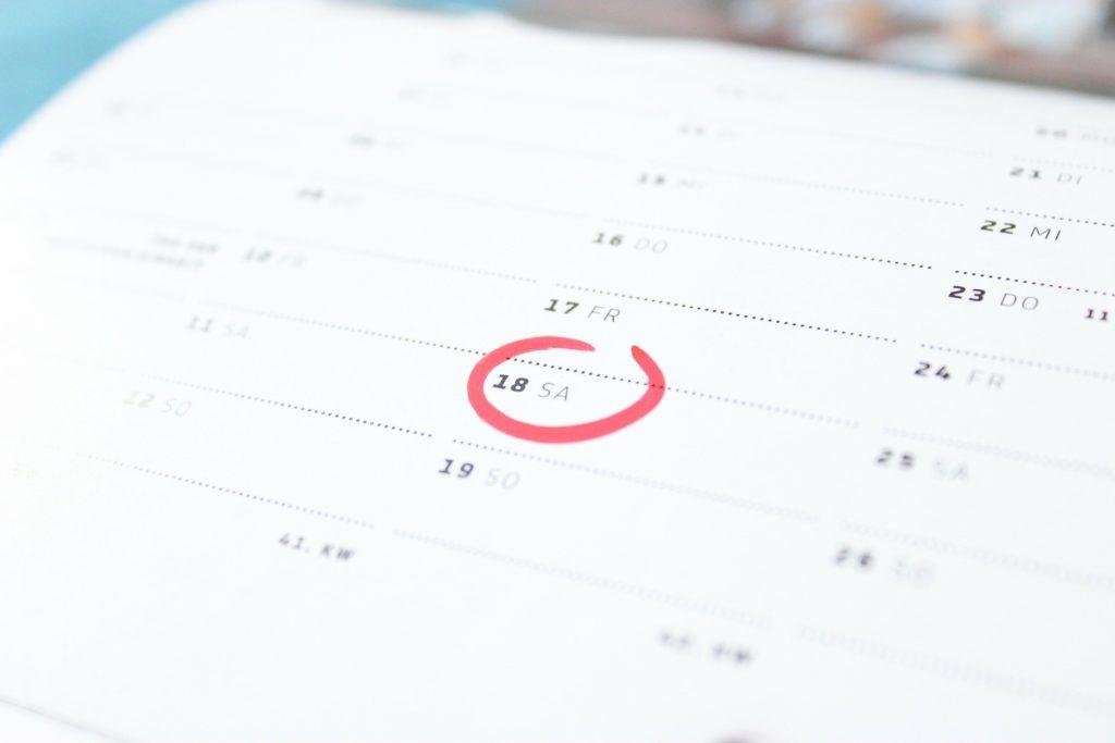 Die vorgeschriebene Trennungszeit vor der Scheidung in Deutschland ist ein Kalenderjahr.