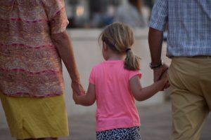 Bei Streit mit Elternteil: Kein Umgangsrecht für Großeltern
