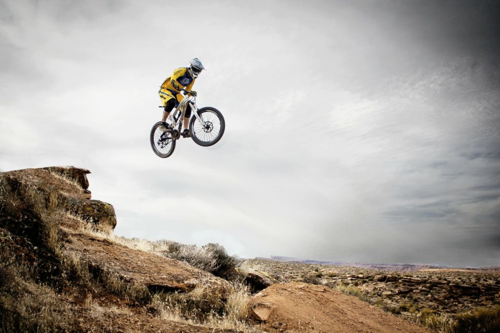 Die private Unfallversicherung haftet für Unfälle bei Ihren Hobbies, wie Fahrradfahren,