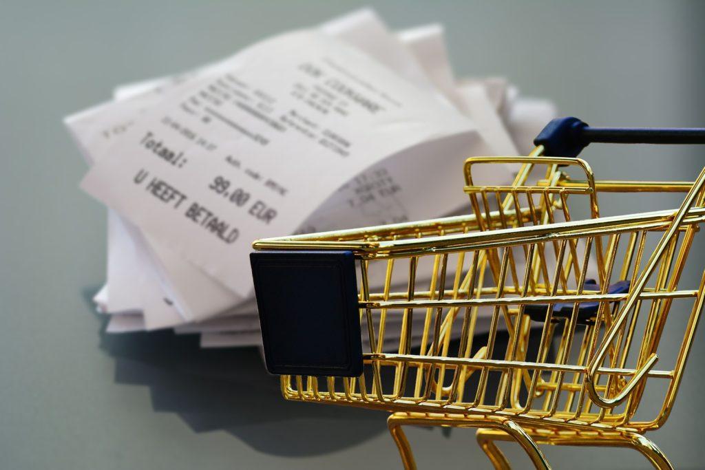 Belege für Einkäufe in einer Ehe mit Gütertrennung aufzubewahren, kann bei der Scheidung Streitigkeiten vermeiden.